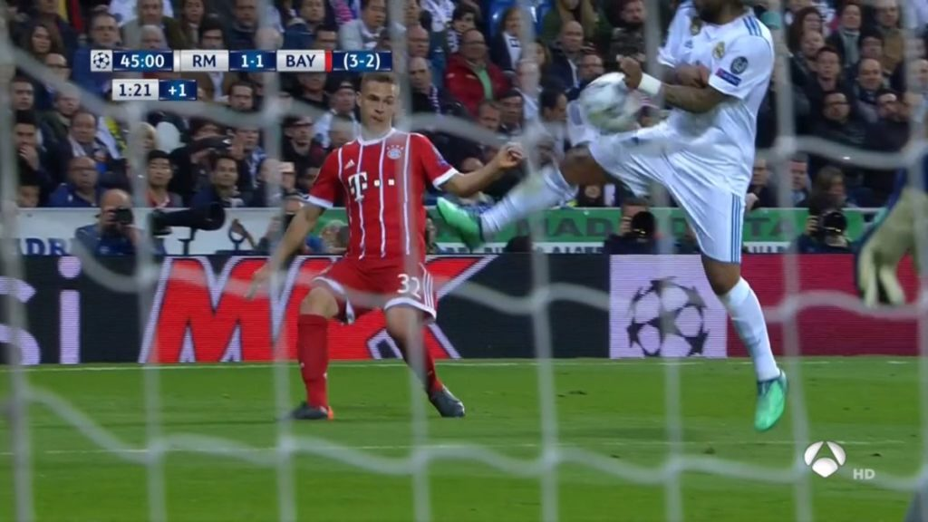 Mano de Marcelo Real Madrid Bayern